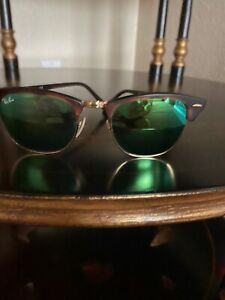 Ray-Ban RB3016 Clubmaster Unisex Sunglasses with Tortoise Frame and Polarized Gr