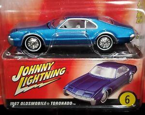 Johnny Lightning 67 1967 Oldsmobile Toronado Olds 60s Sizzle Detail Car RRs +Box