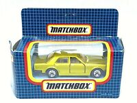 Matchbox Superfast MB-66 Rolls-Royce Silver Spirit (GREEN-GOLD)