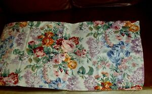 PAIR OF  RALPH  LAUREN  ALLISON STANDARD SIZE PILLOWCASES - GENTLY USED