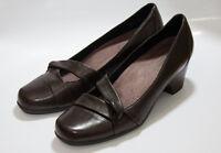 CLARKS  Women's Leather Brown Crisscross Straps Size 7 1/2 M GUC