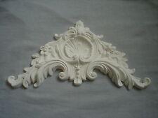 Assai barocca Francese letto pediment / Moulding bianco gesso