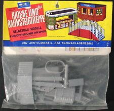 Airfix - KIOSKE, BAHNSTEIGTREPPE - 1:75 -für H0 / 00 - Eisenbahn Bausatz - Kit 5
