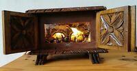 Petite crèche diorama avec musique et lumière de Josep Bofill