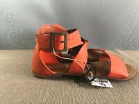 BNWT Ladies Older Girls Sz 8 Smart Orange Rivers Doghouse Strappy Buckle Sandals