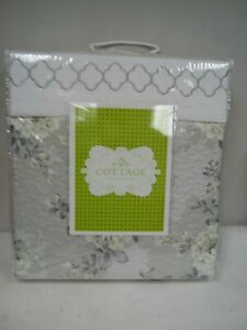 NEW Cottage collection 7-piece Quilt and Sheet Set 686-106 GREY FLORAL