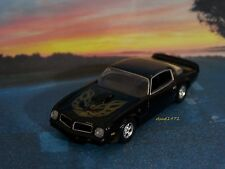 1976 76 PONTIAC FIREBIRD TRANS AM COLLECTIBLE MODEL 1/64 SCALE DIECAST DIORAMA