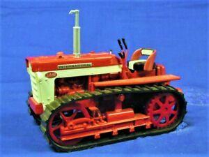 Ertl 4734 International Farmall T340 crawler tractor - Red - 1/16 Die-cast MIB