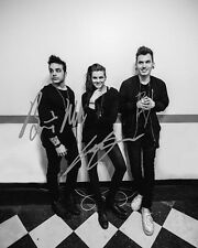 Pvris Group Signed 8X10 Photo Rp Lyndsey Gunnulfsen White Noise Lynn Gunn Holy