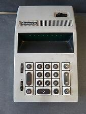 Antigua calculadora electrónico SANYO,automatización de la oficina vintage
