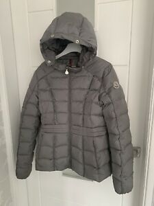 😍authentic Girls Moncler Down Coat Age 14 Yrs Good Condition