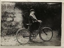 PHOTO ANCIENNE - VINTAGE SNAPSHOT - VÉLO BICYCLETTE ENFANT MODE BÉRET - BICYCLE