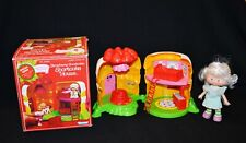 Strawberry Shortcake House  In Box With Angel Cake Doll Kenner Vintage 1980