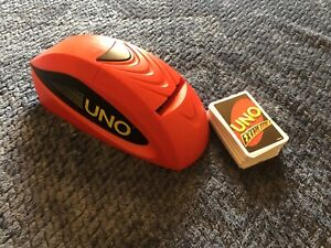 Mattel Games Uno Extreme Card Family Fun Game with Electronic Launcher
