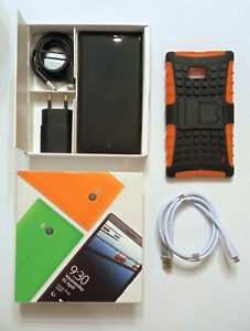 Nokia Lumia 930 black (Unlocked) Smartphone with original package + accessories