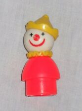 1989 FISHER PRICE LITTLE PEOPLE CIRCUS CLOWN RED YELLOW POINTED HAT FIGURE #675