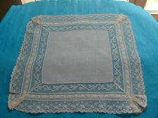 Mouchoir en linon XIXème dentelles Valenciennes broderies blanches 29 x 30 cm