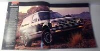 1985 85 Chevrolet Chevy S-10 Blazer Trucks Sales Brochure Literature 20 Pages