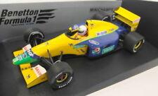Voitures de courses miniatures jaunes pour Benetton