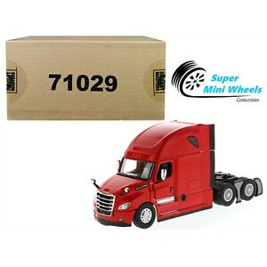 """Diecast Masters 1:50 Freightliner Cascadia SBFA Tandem with 72"""" Sleeper (Red)"""