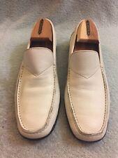 Salvatore Ferragamo white leather  drivers Loafer UR 82970 Size 8.5 D
