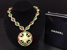 Auth CHANEL GREEN & RED Color Glass Gold Tone Chain Pendant Necklace 7G050170m