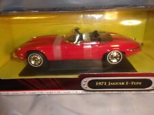 Road Signature 1971 Jaguar Red Never removed from box 1/18