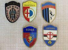 5 SCUDETTI CALCIO ANNI '60 ADESIVI GENOA SAMPDORIA MANTOVA ATALANTA JUVENTUS