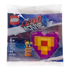 "The Lego Movie 2 30340 - Emmet's ""Piece"" Offering"