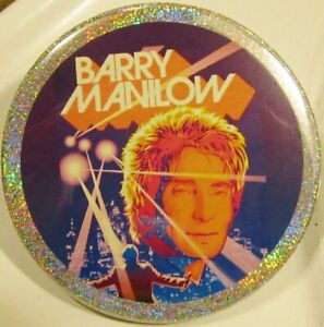 Barry Manilow JUMBO PIN BUTTON HOLOGRAPHIC In Concert Las Vegas Caricature Rare