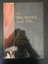 MACARTHUR STUDY BIBLE (BLACK BONDED LEATHER) *Excellent Condition*