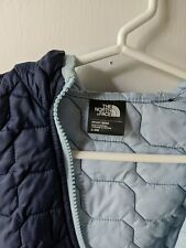The North Face Kids Infant Jacket Size 3-6 Month Navy Blue and Light Blue