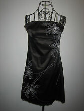 A LOVELY WOMENS DESIGNER JANE NORMAN BLACK & WHITE WITH FLOWERS  DRESS SIZE 12