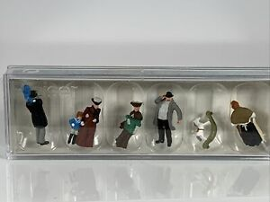 HO Preiser 12176 Old Time Figures c.1900 Passers-By (including rocking horse)