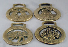 LOT DE 4 DECORATIONS DE HARNAIS POUR CHEVAL, laiton, signes du Zodiac