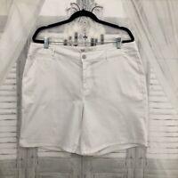 Cato Womens Size 16 Plus Solid White Shorts Contemporary Bermuda Cotton NWT B34