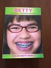 BETTY TEMPORADA 1 COMPLETA - ED BETTY WOMAN - 6 DVD CON EXTRAS - 945 MIN USADO