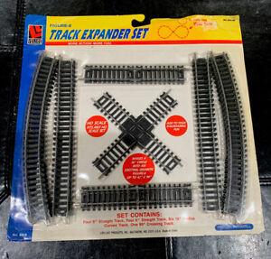 LIFE LINE TRAINS HO GAUGE  Figure 8 TRACK EXPANDER SET #8618