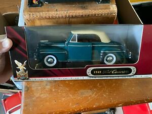 Road Signature 1948 Ford Convertible 1:18 Scale Diecast Model Car