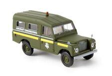 """Brekina 13765 Land Rover 109 gescholossen """"RAF aircraft engineering"""" 1:87"""