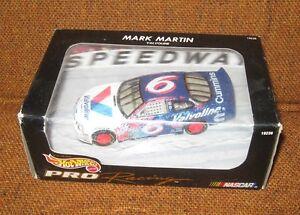 Mark Martin--Valvoline #6--1999 Hot Wheels Pro Racing 1:43 Scale