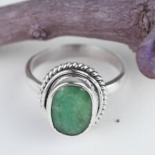 925 Sterling Silver emerald gemstone lovely Rings Size 7 US 4.04 g cci