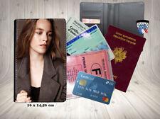 victoria pedretti you 002 carte identité grise permis passeport card holder