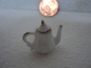 DOLLHOUSE TEA POT- A771