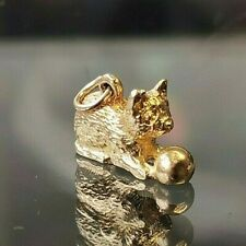 Kitty Cat Kitten with ball Charm. Hallmarked 9ct gold c1974 London. Free P&P #cC