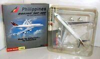 Schuco 1/500 Scale SJPAL008 Boeing 747-400 Philippines N751PR