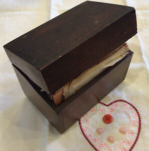 Vintage Wood Dovetailed Recipe Box With Old Handwritten Typed & Clipped Recipes