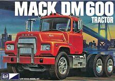 MPC MPC859/06 1/25 Mack DM600 Tractor Plastic Model Kit