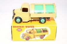 Dinky Toys 252 Bedford Refuse Truck with very SCARCE green wheels Very Rare