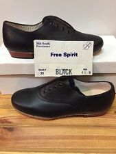 Women's 4.5 W Free Spirit Split Sole Clogging Shoes, Black, (No Taps)